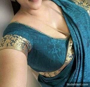 hot Indian deep cleavage of busty milf