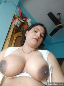 big tits bihari bhabhi nude pic